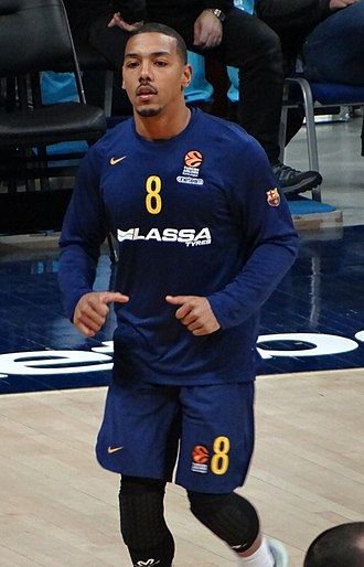 Phil Pressey - Pressey warming up with Barcelona in 2018