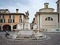 Piazza Mercato e chiesa Madonna del Lino Brescia.jpg