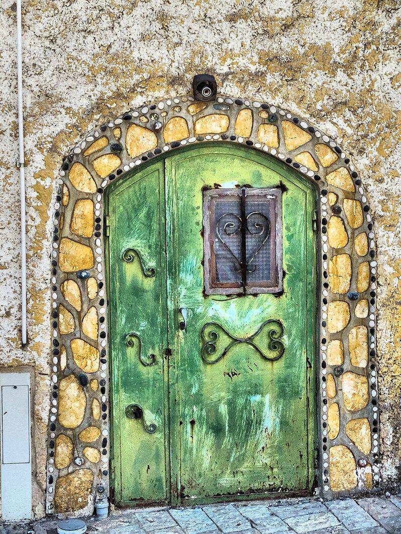 צפת העתיקה דלת מעוצבת