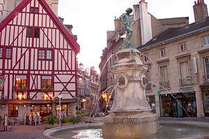 Burgundy - Dijon, Place du Bareuzai