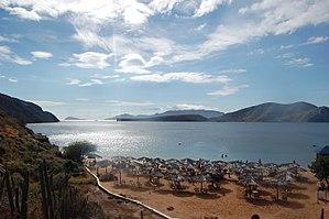 Puerto la Cruz - Image: Playa el saco Puerto La cruz 3