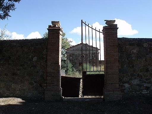 Poggio alle Mura, cimitero
