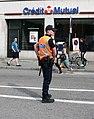 Policier municipal strasbourgeois en service.JPG