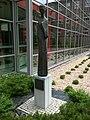 Pomnik Marii Skłodowskiej-Curie, Centrum onkologii w Gliwicach.jpg