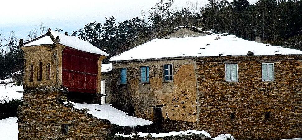 Postal de casa e hórreo nevados, Riotorto