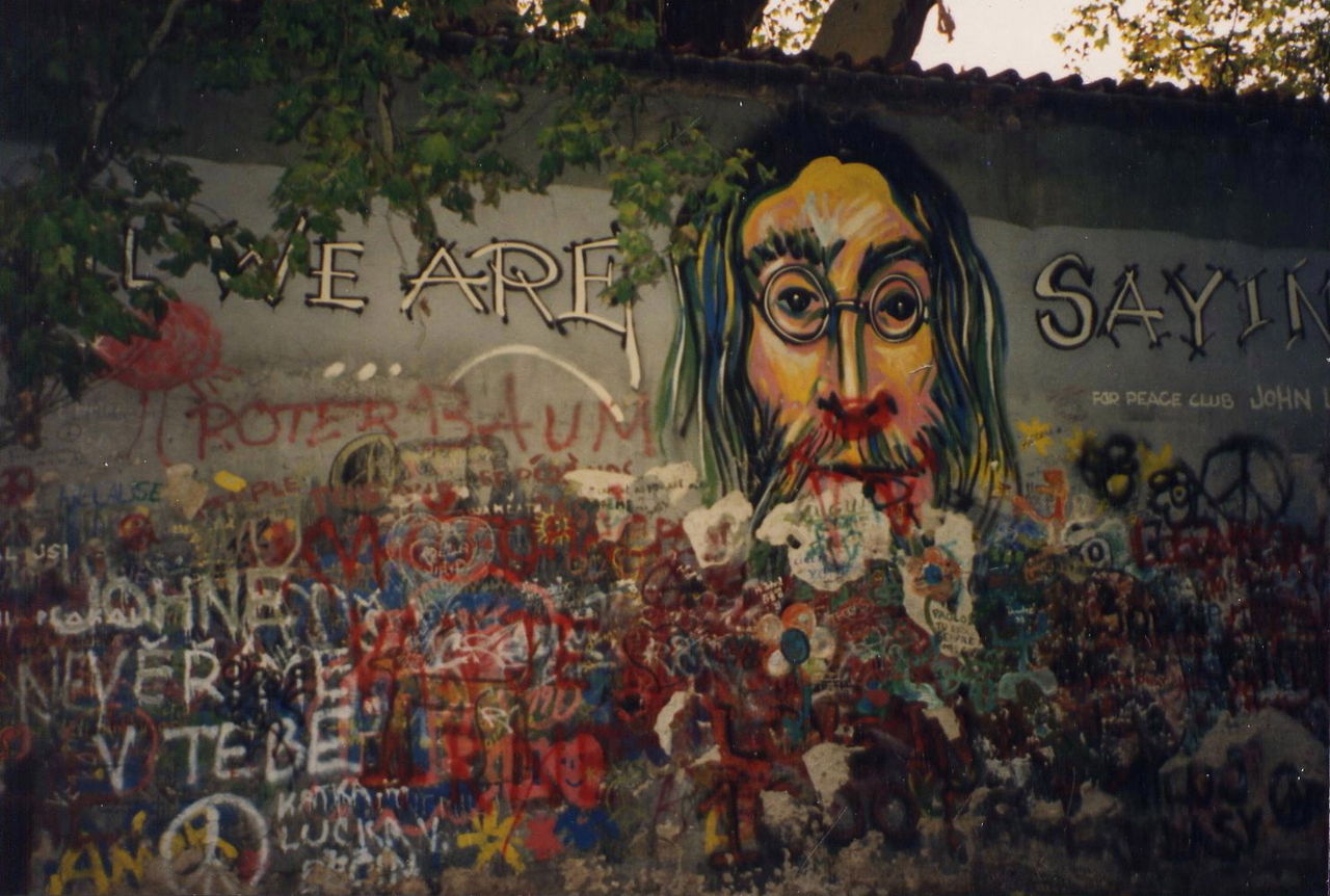 PrahaJohnLennon1993.jpg