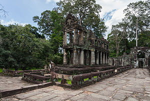 Preah Khan - The purpose of this two-storied building with round columns is unknown.