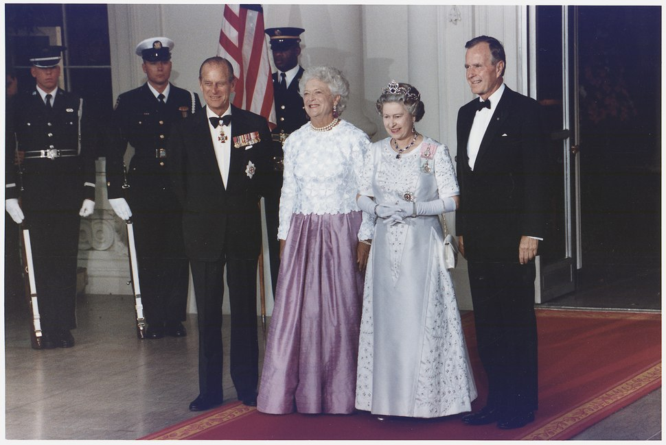 President and Mrs. Bush host a State Dinner for Queen Elizabeth II and Prince Philip of Great Britain at the White House - NARA - 186433