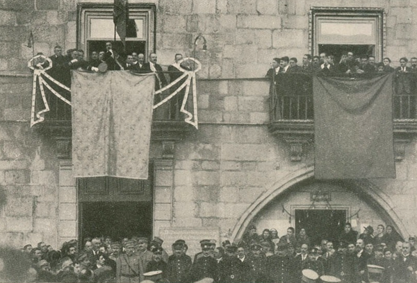 Proclamation of the Restoration of the Kingdom of Portugal, in Viana do Castelo, on 19 January 1919. Proclamacao da Restauracao.png