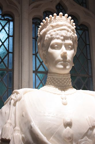 George Frampton - Queen Mary by George Frampton, Guildhall Gallery, London