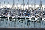 Réflection de voiliers sur la mer (3).JPG