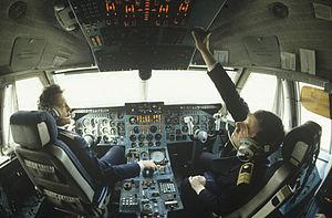 RIAN archive 501494 IL-86 flight deck.jpg
