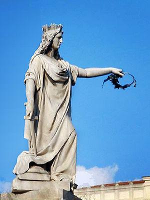 Italia turrita - Statue of Italia Turrita in Reggio Calabria.