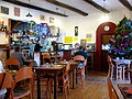 Revest-du-Bion Les Marronniers salle du restaurant.JPG