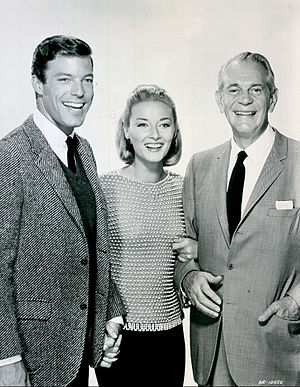 Richard Chamberlain - Richard Chamberlain (Dr. Kildare), Daniela Bianchi and Raymond Massey (Dr. Gillespie) from the television program Dr. Kildare in 1964