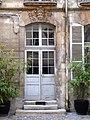 Rue Monsieur Le Prnce 58 maison sur cour porte.jpg