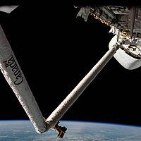 STS-2 Canadarm debut.jpg