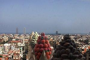 Sagrada Família (neighborhood) - Image: Sagrada Familia Pinacles 1445 01bis