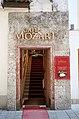 Salzburg - Altstadt - Getreidegasse 22 Café Mozart - 2019 07 26 - Stiege 1a.jpg