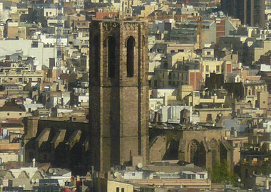 Santa Maria del Pi des del gratacel de l'avinguda de les Drassanes.jpg