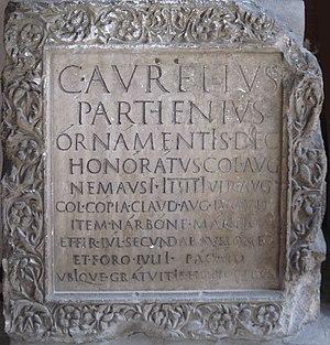 Apex (diacritic) - Image: Scriptura con apices Nimes 1750