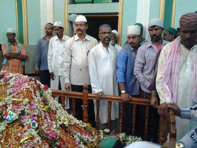 File:Shah Ali Pahelwan 14.jpg