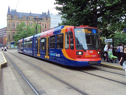 Sheffield supertram at Cathedral stop - DSC07446