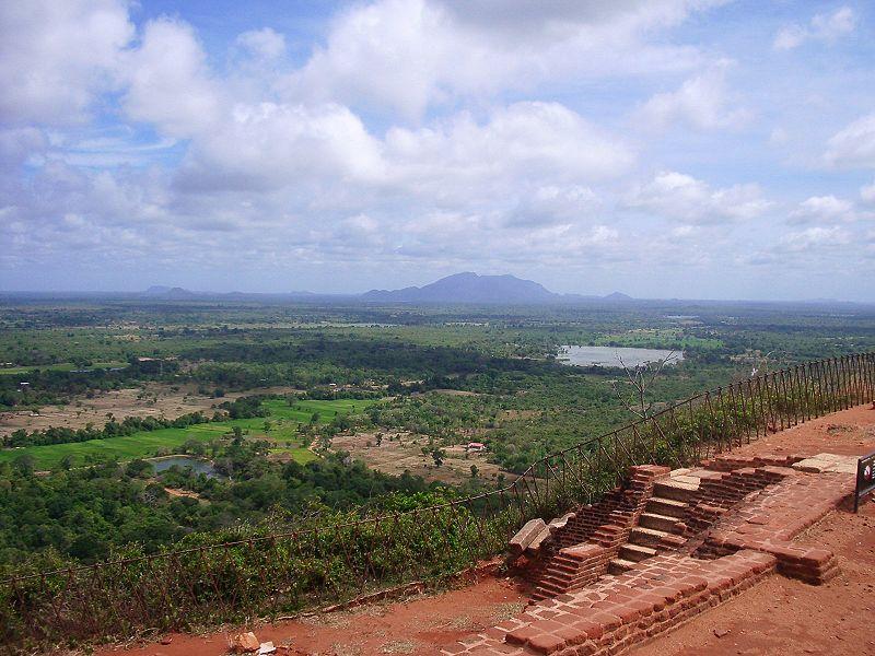 Файл: Sigiriya summit3.jpg