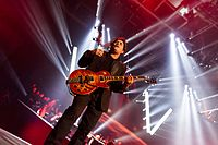 Simple Minds - 2016330230657 2016-11-25 Night of the Proms - Sven - 5DS R - 0186 - 5DSR8702 mod.jpg