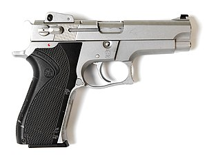Smith and Wesson Model 5906.jpg