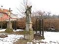 Socha svatého Jana Nepomuckého v Lánech (Q107161788).jpg