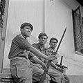 Soldaat Emous (Sundanees), Korporaal Sahetapy (Ambonees) en soldaat Wungouw (Men, Bestanddeelnr 255-6988.jpg