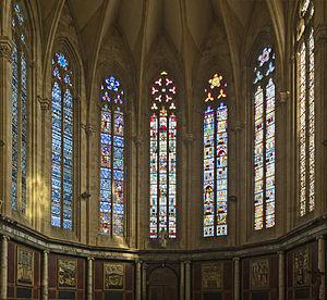 Gourdon, Lot - Image: St Pierre de Gourdon (Lot) Vitraux de la nef