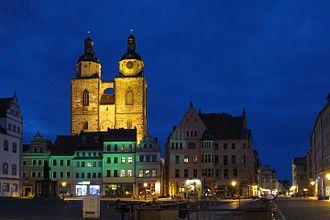 Wittenberg (district) - Image: Stadtkirche Wittenberg bei Nacht