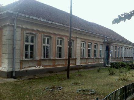 Osnovna škola sagrađena 1902. godine