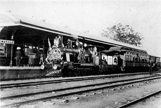 Emerald railway station, Queensland - World War I recruiting train at Emerald station, circa 1916
