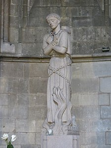 Photo de la statue de Jeanne au bûcher