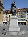Statue Pestalozzi Yverdon, côté gauche.JPG
