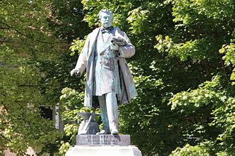 Bar-le-Duc - Statue of Ernest Bradfer (1833–1882)