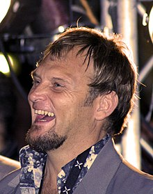 Wikipedia: Steve Hofmeyr at Wikipedia: 220px-Steve_Hofmyer_crop