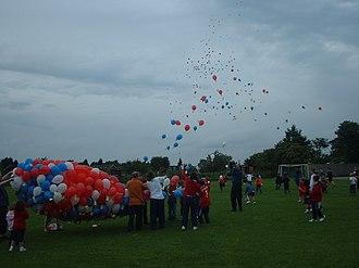 Stoke Mandeville - Image: Stoke Mandeville School balloons