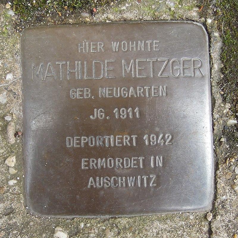 Stolperstein Dorsten Wiesenstraße 14-16 Mathilde Metzger.jpg