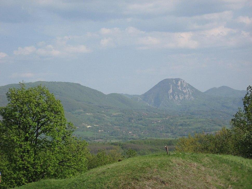Stolski Kamen pogled sa brda
