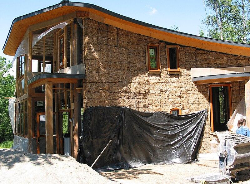 Construcción de casas sostenibles con pacas de Paja