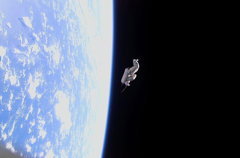 SuitSat-1 tras su liberación