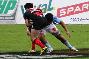 Glossary of rugby union terms - Tackle during a game between the Stade toulousain and Aviron Bayonnais.
