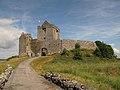 Tag 4 - Fahrt nach Doolin - Kinvara - Dunguaire Castle - TowerHouse - panoramio.jpg