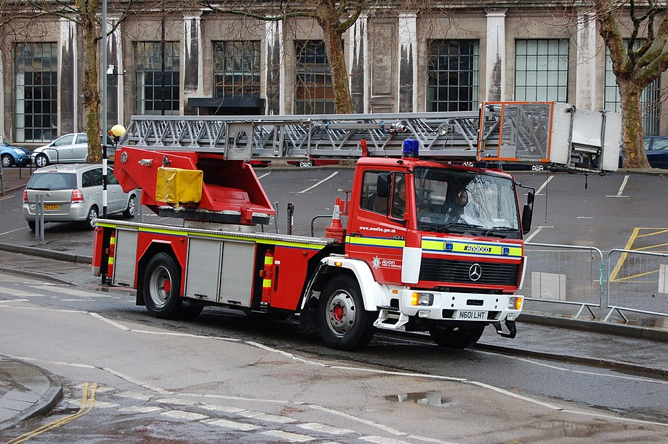 Temple-turntable-ladder-N601-LHT-on-standby