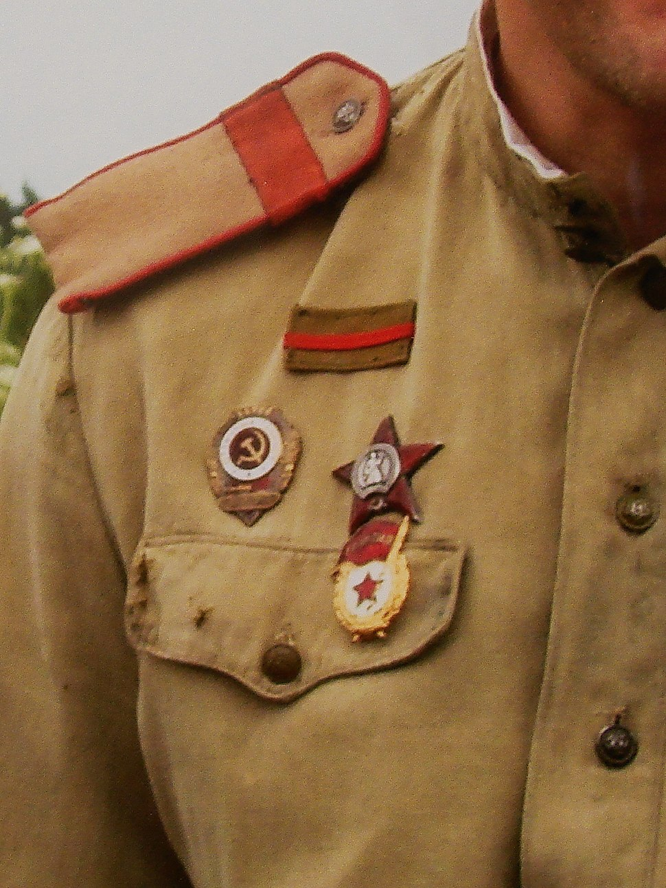 The sign of injury on the Soviet uniforms 4