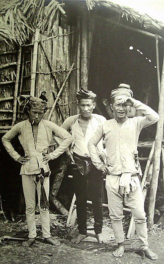 Moro people - Three indigenous tribal men from the Sulu Archipelago in the 1900s.